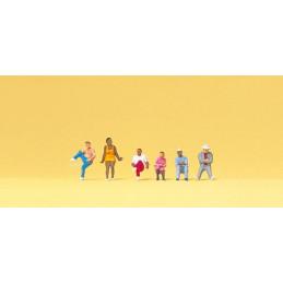 6 personnages assis sur les...