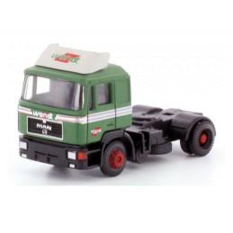 Camion tracteur MAN F90,...