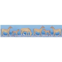 8 chevaux à peindre